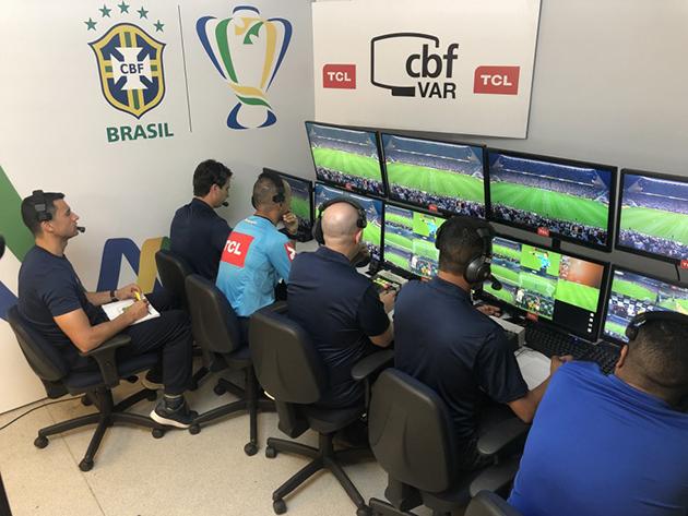 Tecnologia foi apresentada como a ferramente que acabaria com as injustiças no futebol