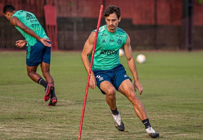 Coragem de Ceni, promessa e entre melhores do Brasil: zagueiro Rodrigo Caio abre o jogo