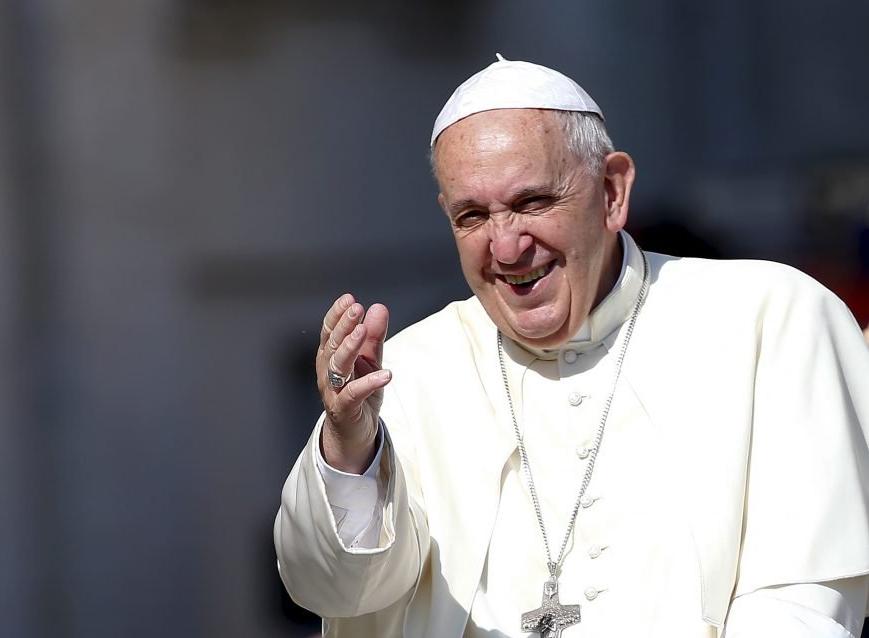 Padre brasileiro que brincou com Papa Francisco afirma que está surpreso com a repercussão do caso