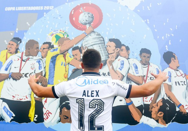 Alex foi campeão brasileiro e da Libertadores no clube alvinegro