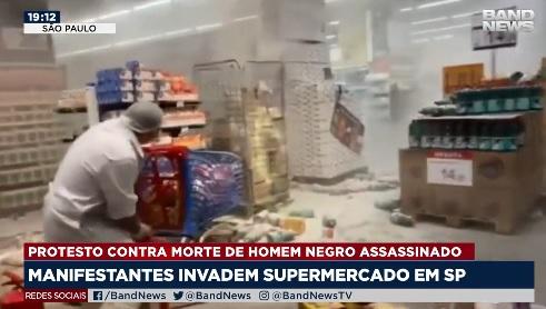 Em São Paulo, unidade do Carrefour foram depredadas