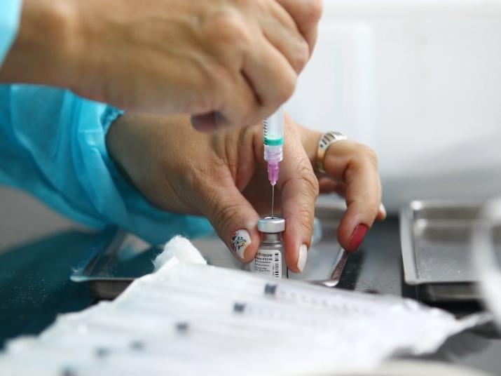 Vacinação Covid-19: São José vacina pessoas com 44 anos nesta quarta (23)