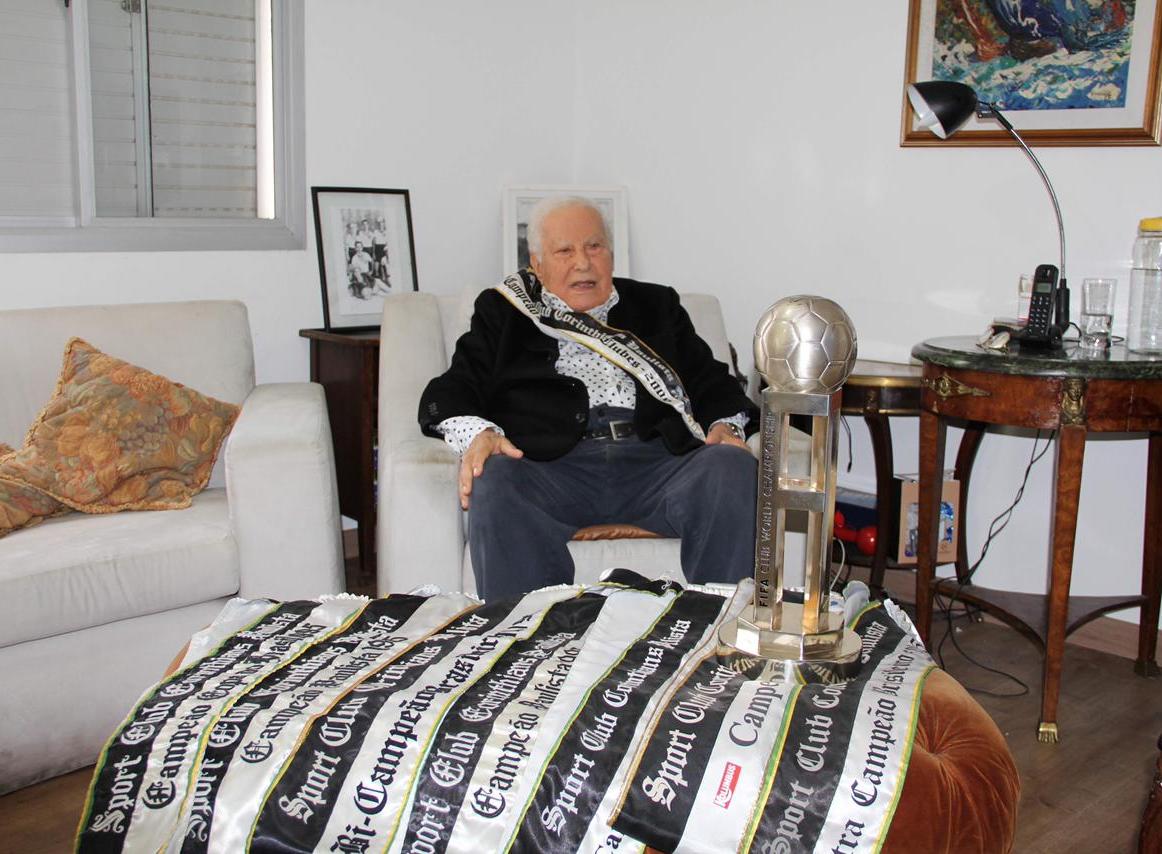 Alberto Dualib, ex-presidente do Corinthians, morre aos 101 anos