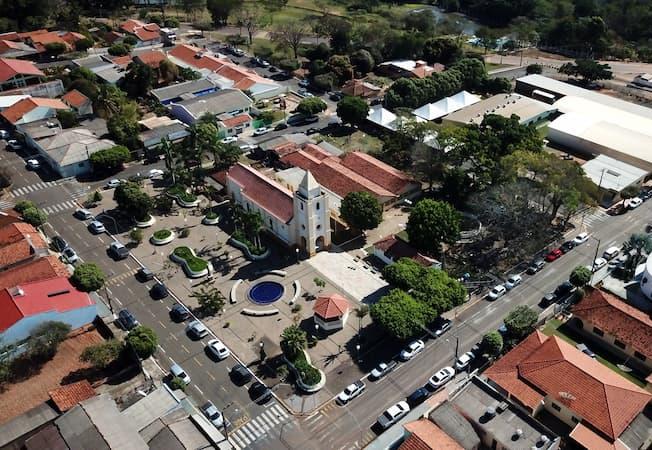 31 municípios do estado de SP gastam mais com as câmaras de vereadores do que arrecadam