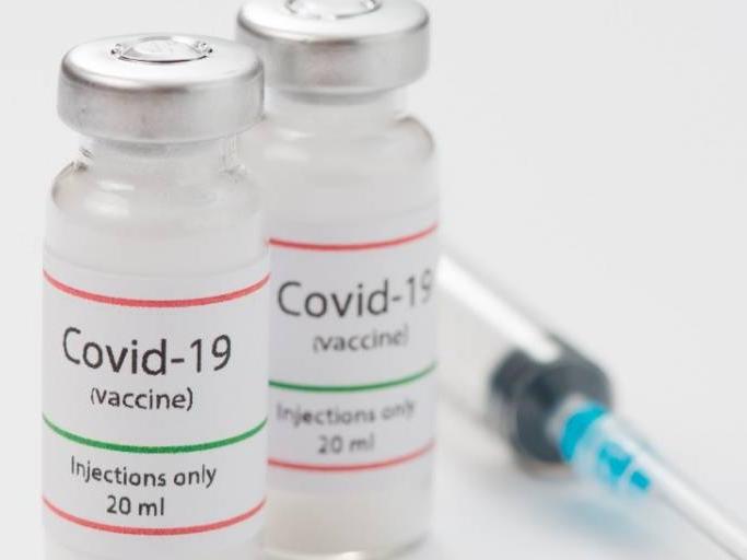 Vacina da Pfizer começou a ser aplicada em outros países; temperatura seria desafio no Brasil