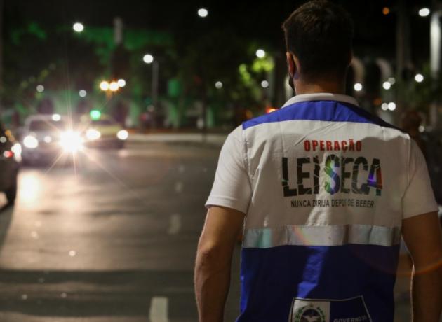 Motorista que não ingeriu bebida alcoólica é pego no teste do bafômetro no Rio