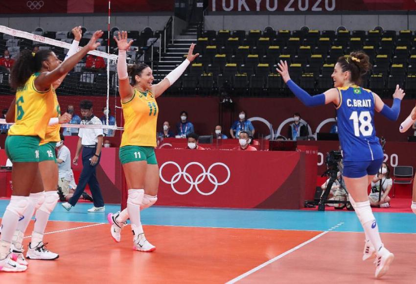 Brasil arrasa Coreia do Sul na estreia do vôlei feminino em Tóquio