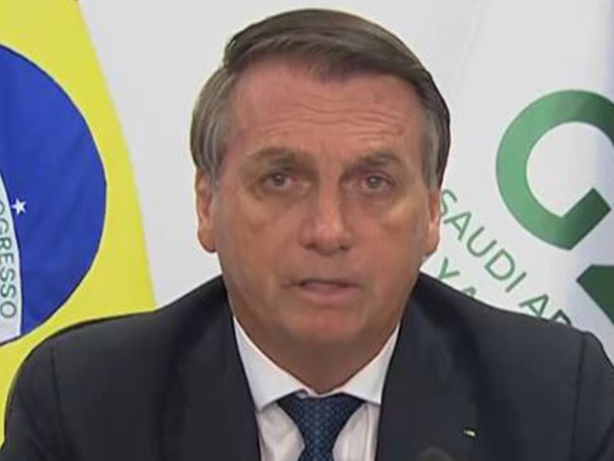 """""""Enxergo todos com a mesma cor: verde e amarelo"""", diz Bolsonaro no G20"""