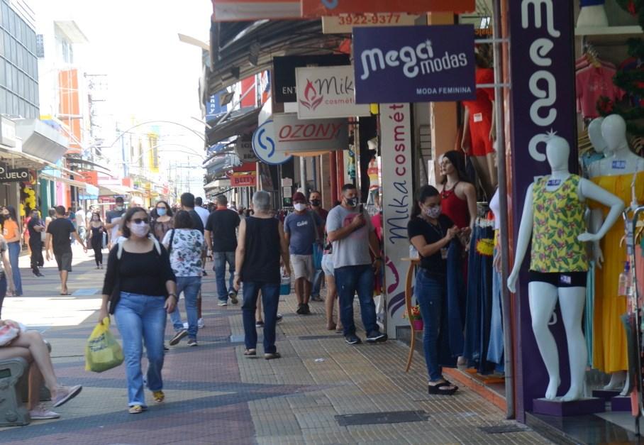 Mais de um terço da população do Vale do Paraíba tem alguma dívida, aponta Serasa