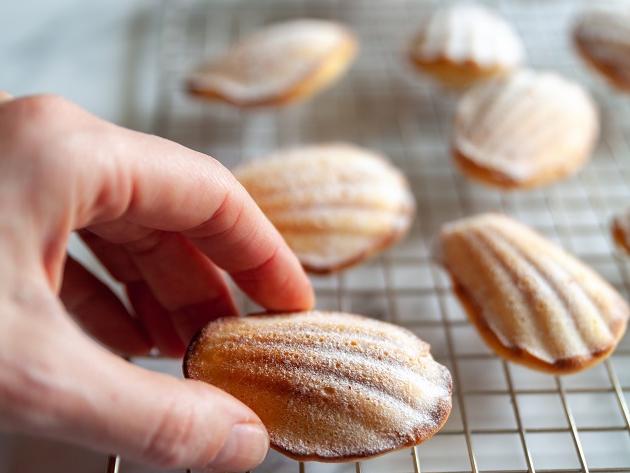 Madeleine: aprenda a fazer o bolinho francês em formato de concha