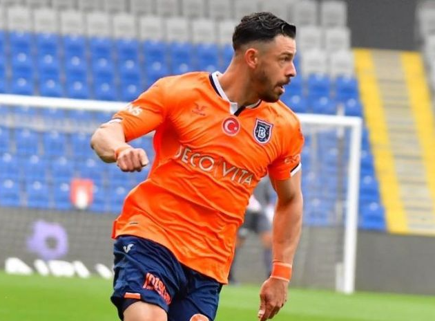 Corinthians confirma contratação do meia Giuliano