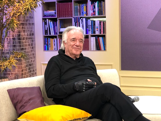 """""""Até Michelle Pfeiffer e Viola Davis compartilharam"""", conta João Carlos Martins sobre vídeo viral tocando Bach"""