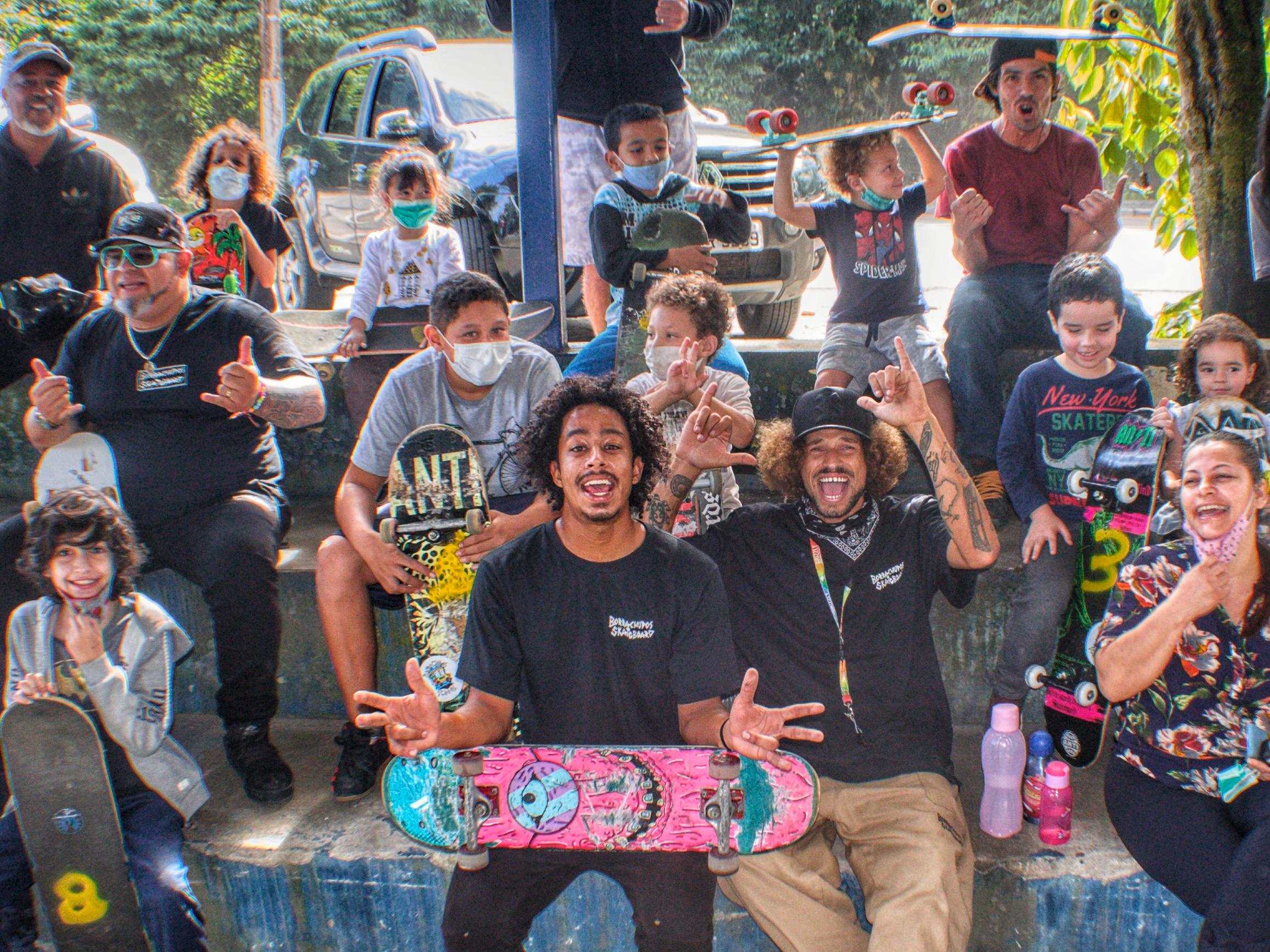 Projeto Social em Ilhabela garante aulas de skate gratuitas na cidade