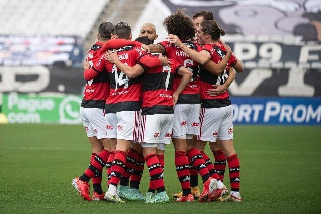 Corinthians e Flamengo jogam esportes diferentes