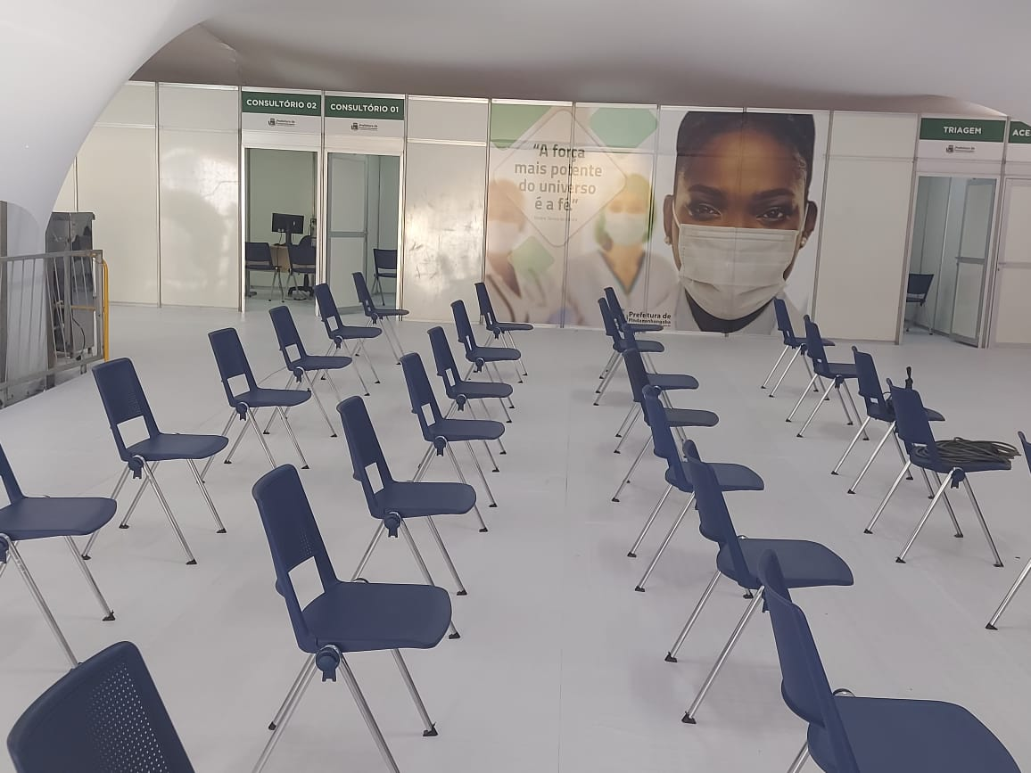 Homem é preso após agredir enfermeiras no gripário de Pindamonhangaba
