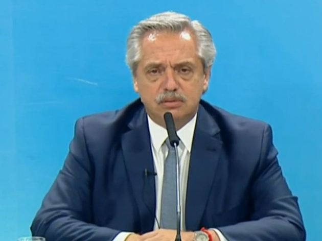 "Presidente argentino diz que ""brasileiros vieram da selva"" e é criticado"