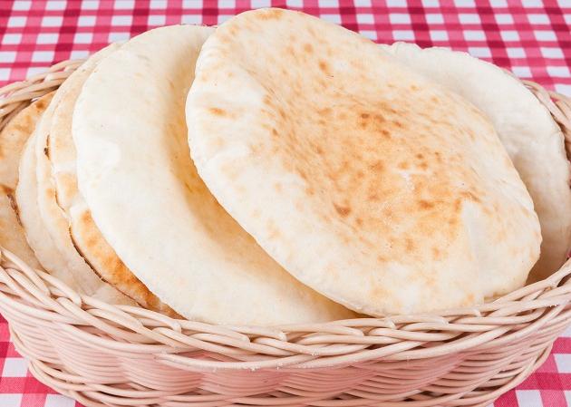 Pão caseiro de iogurte: receita do Edu Guedes fica em uma hora