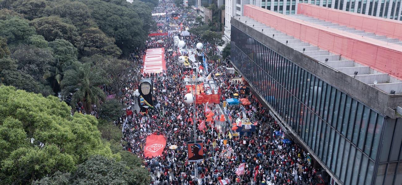 Protestos contra Bolsonaro acontecem em diversas cidades do Brasil