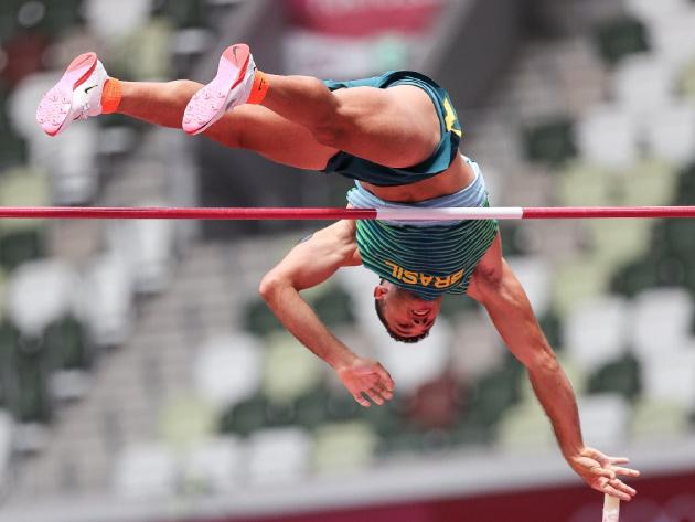 Campeão na Rio-2016, Thiago Braz garante vaga na final do salto com vara em Tóquio