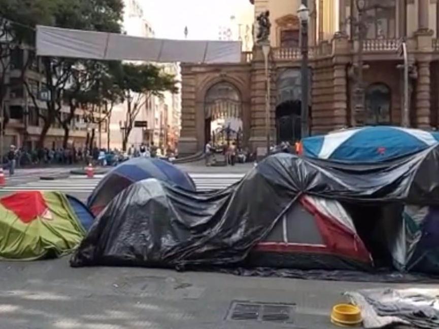 Prefeitura de São Paulo vai montar cinco tendas de apoio para moradores de rua
