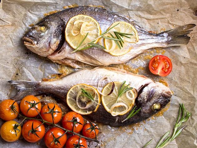 Como saber se o peixe está fresco? 4 sinais para não errar na compra