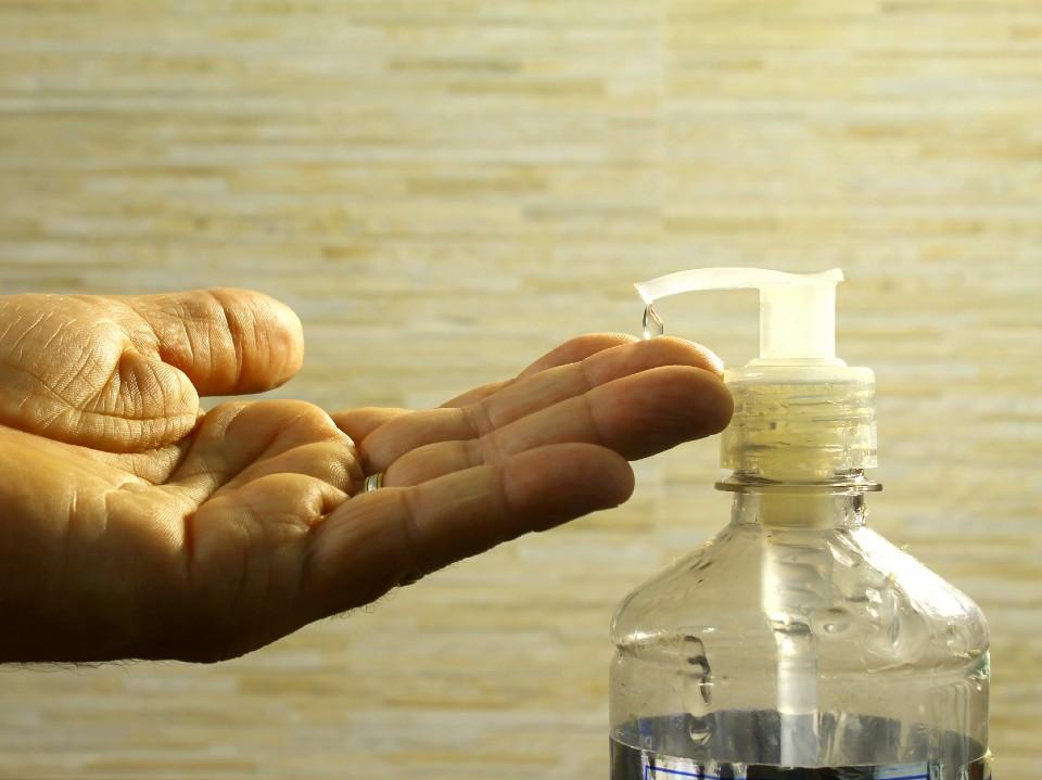 Dr. Bactéria ensina técnicas para lavar e a higienizar corretamente as mãos