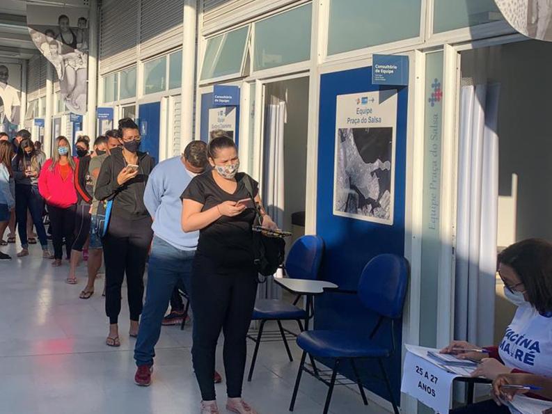 Ação da Fiocruz vacina mais de 90% dos moradores do Complexo da Maré, no Rio de Janeiro