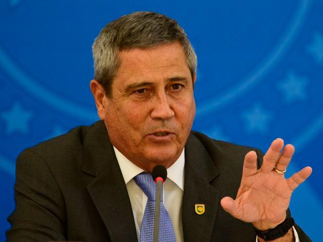 Ministro da Defesa será ouvido após ser acusado de fazer pressão pelo voto impresso