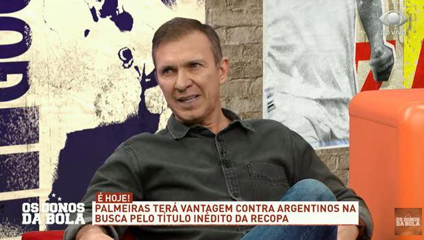 """Velloso: """"Não tem como o Abel Ferreira queimar o Luan porque ele já está queimado"""""""