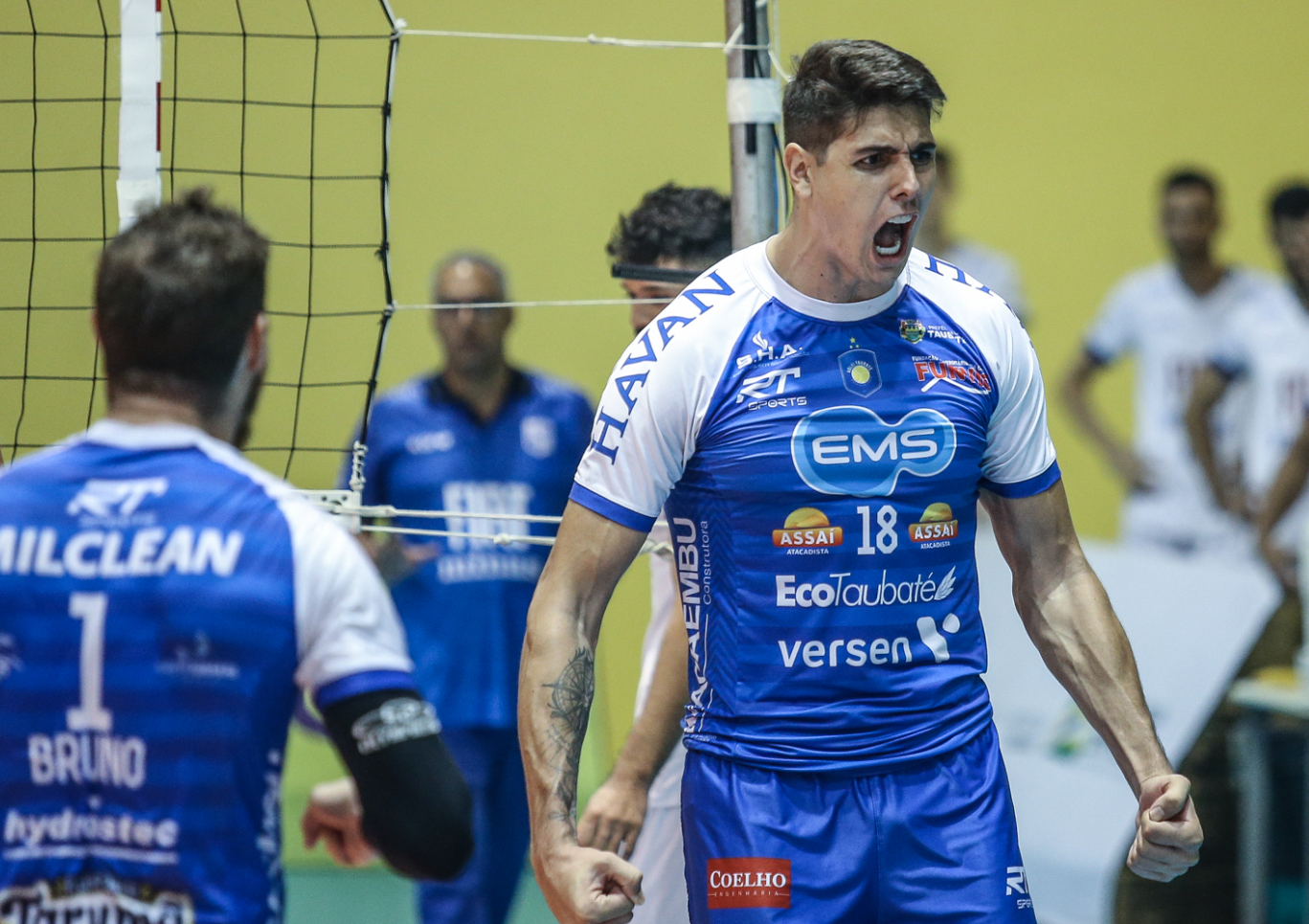 Taubaté bate Minas no tie-break e larga na frente pela final da Superliga Masculina