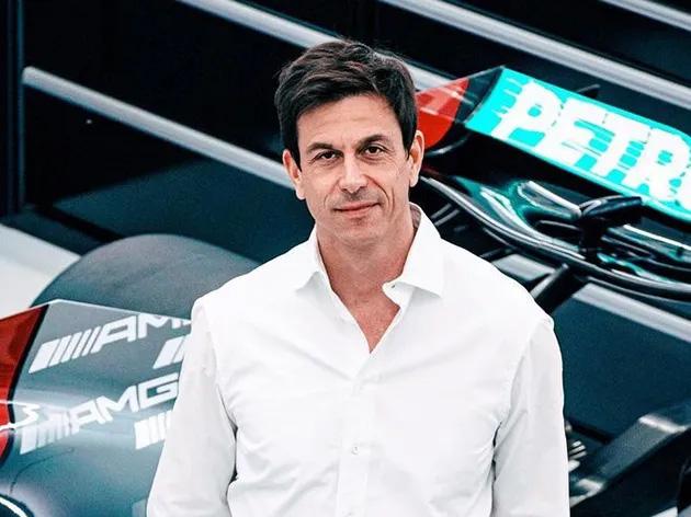 """Para chefe da Mercedes, sprint qualifying """"está confusa e não vale o risco"""""""
