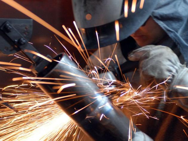 Produção industrial registra queda de 1,3% em comparação com junho