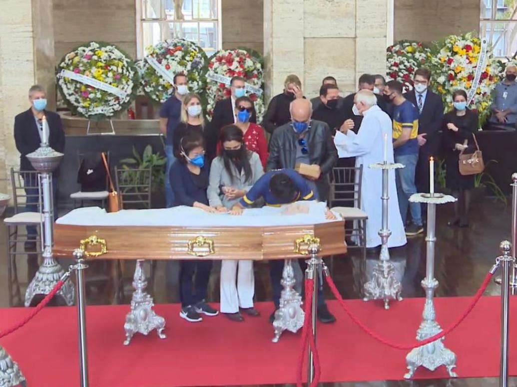Bruno Covas é sepultado em Santos com cerimônia discreta