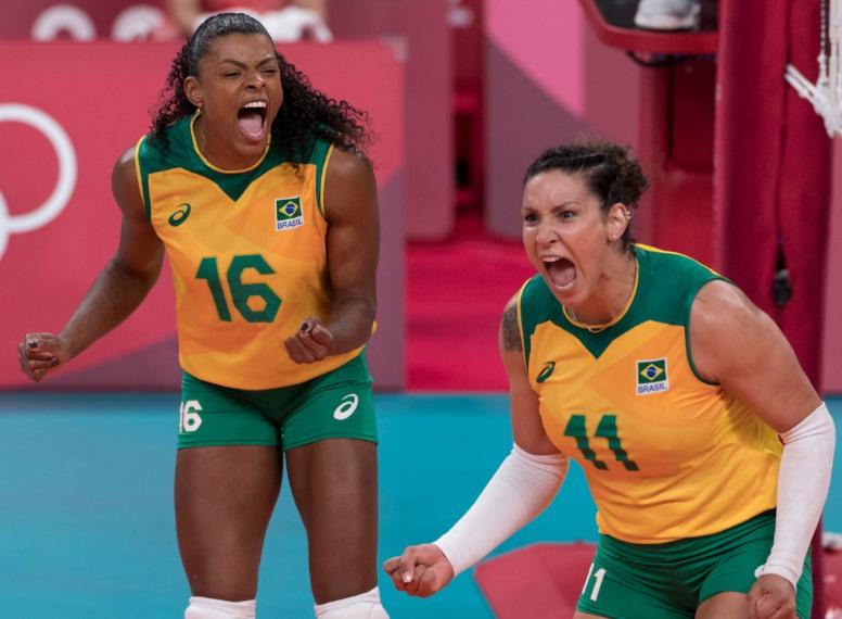 Brasileiras venceram a Rússia por 3 sets a 1 e vão brigar por medalha na Olimpíada