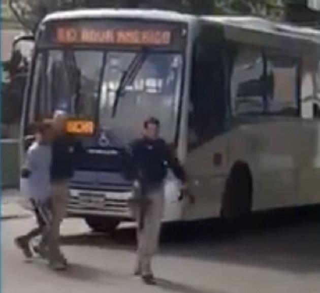 Homem é preso por agentes da PRF após roubar ônibus no RJ