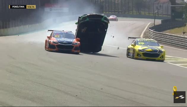 Stock Car tem vitórias de Casagrande e português e acidente grave em Interlagos