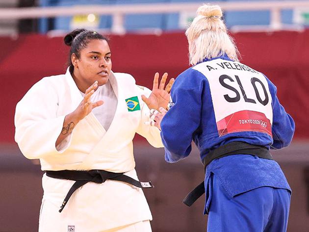 Maria Suelen perde nas quartas, sai lesionada e não disputa repescagem pelo bronze