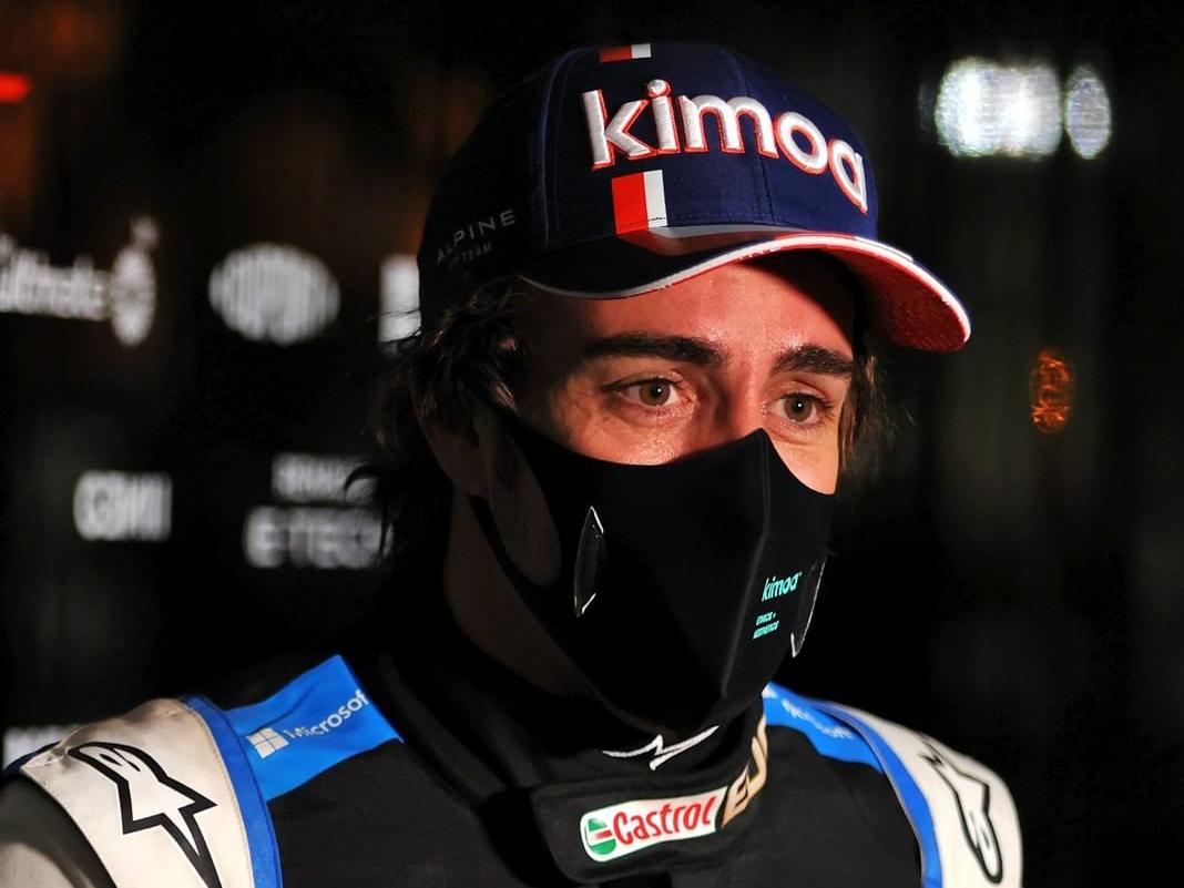 Embalagem de sanduíche tira Alonso do GP do Bahrein