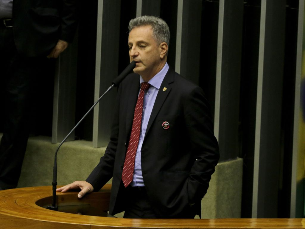 Presidente do Flamengo defende paralisação do Brasileirão durante Copa América