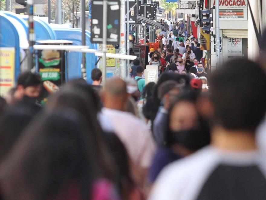 """""""Estamos no pior momento da pandemia"""", diz infectologista do Centro de Contingenciamento do Coronavírus em SP"""