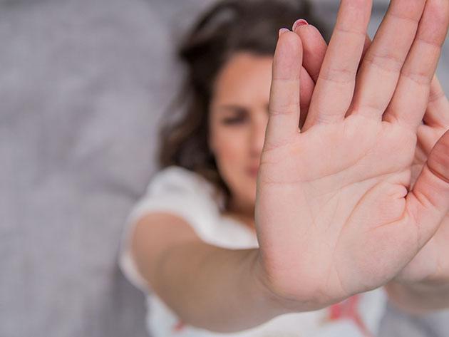Oito mulheres são agredidas por minuto no Brasil durante pandemia, diz pesquisa
