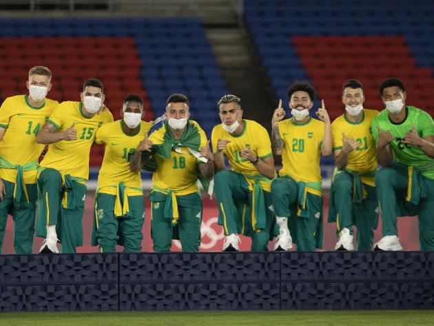 COB repudia CBF e jogadores da seleção por falta de agasalho oficial na hora do pódio