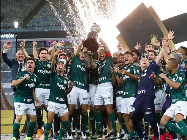 """""""O Palmeiras pode ganhar o título mundial"""", diz Mazinho"""