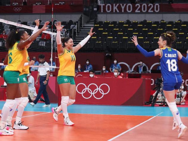 Com passeio no primeiro set, Brasil vence Coreia do Sul na estreia do vôlei feminino