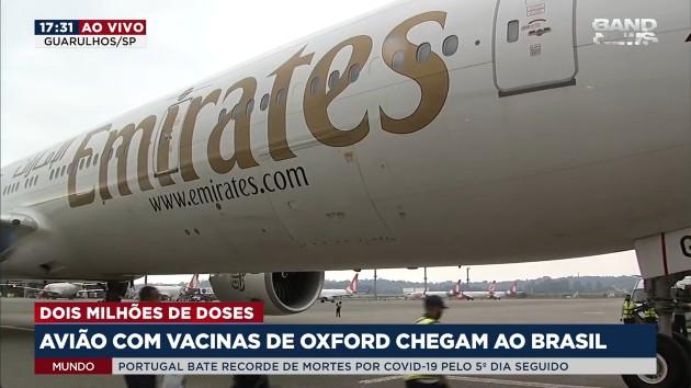 Avião com vacinas da Índia contra Covid-19 chega ao Brasil