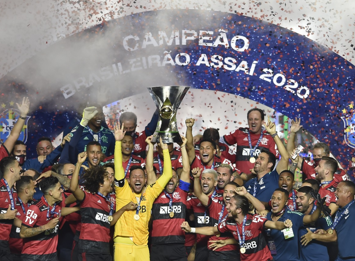 Inter para no Corinthians, e Flamengo conquista o Brasileirão