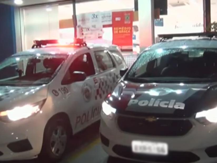 Delegado tem arma roubada durante assalto em farmácia de São Paulo