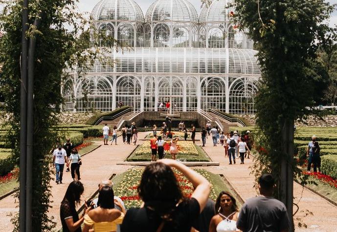 Paraná flexibliza medidas e libera eventos com até mil pessoas