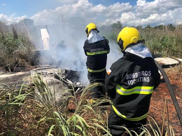 """""""Quando chegamos, os corpos já estavam carbonizados"""", diz comandante dos bombeiros sobre queda de avião no TO"""
