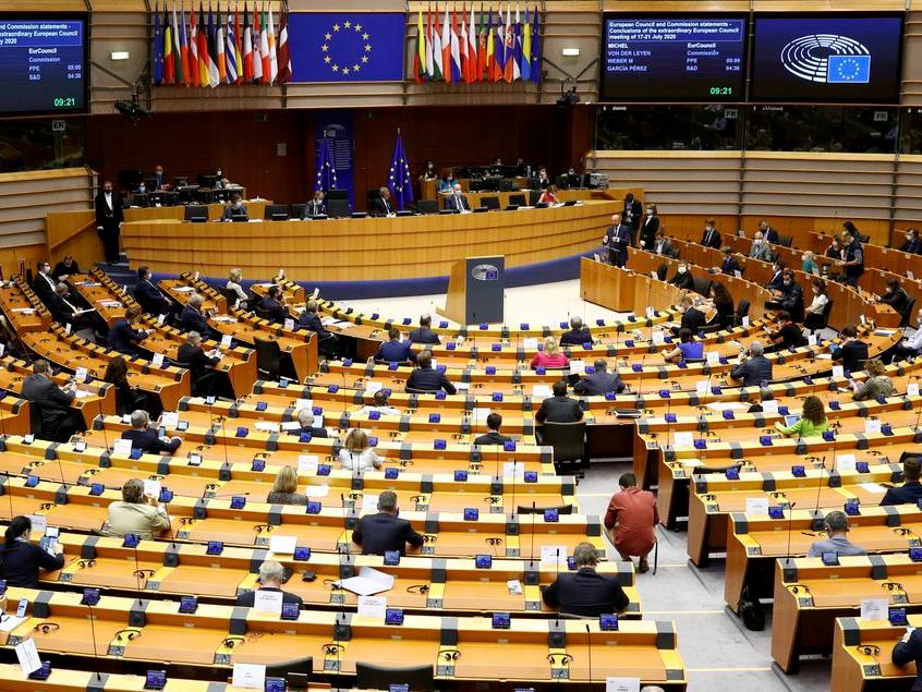 Parlamento Europeu aprova certificado digital para retomar turismo no bloco